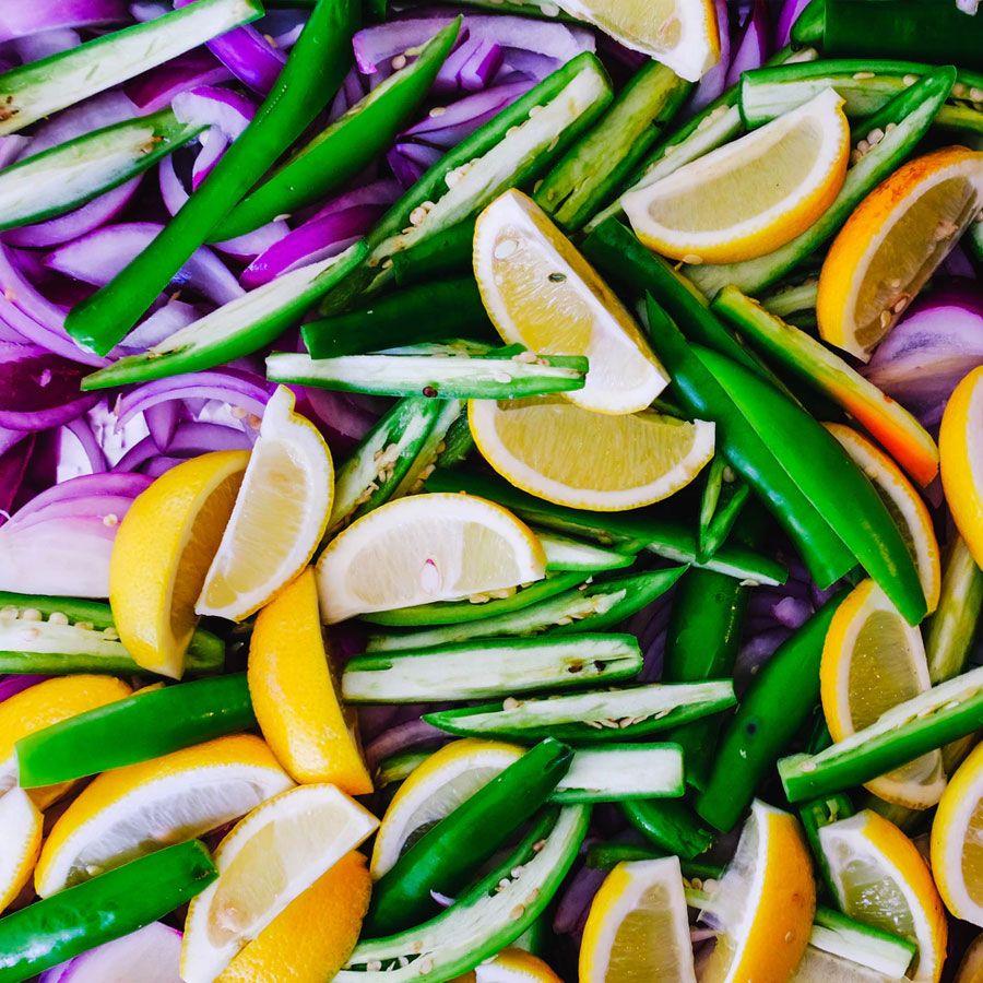 Czy wiesz jak dokładnie oczyścić warzywa i owoce z bakterii i pestycydów?